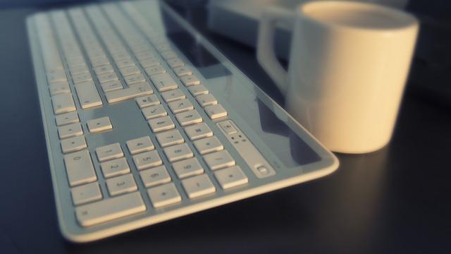 Jak napisać tekst reklamowy do Internetu - zostań doskonałym copywriterem