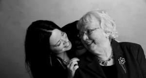 Życzenia na Dzień Babci: Jak napisać życzenia na Dzień Babci?