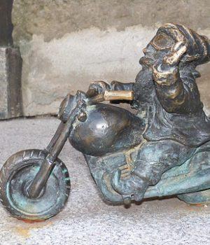 Statuetki Księżnej Jadwigi Śląskiej w święto nauki wrocławskiej