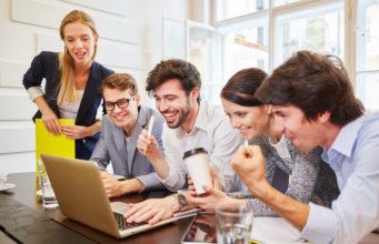 Jak przygotować i wygłosić prezentację, która oczaruje słuchaczy? Zaproszenie do udziału w szkoleniu