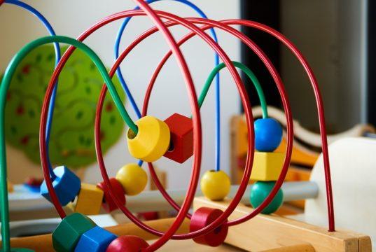 Jak kupić mądrą i pożądaną zabawkę dla dziecka?