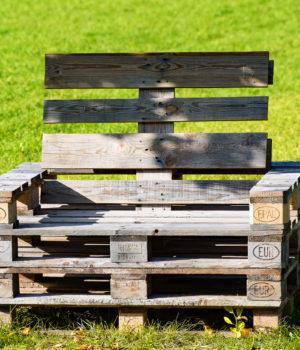 Jak zrobić meble z palet - poradnik praktyczny krok po kroku