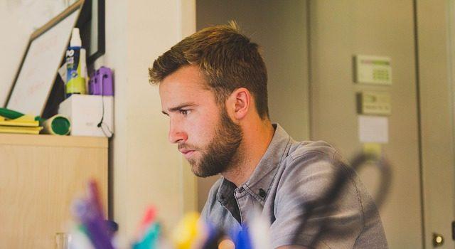 Esej: Przyczyny, konsekwencje i sposoby radzenia sobie z wypaleniem zawodowym