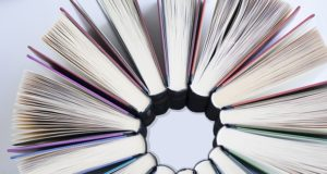 E-podręcznik kontra papierowy. Który lepiej sprawdza się dla uczniów?