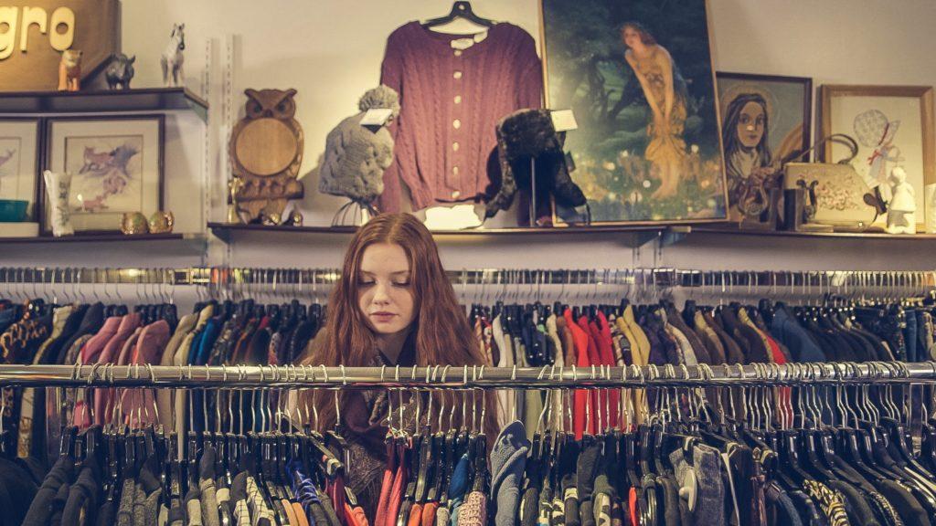 Naucz się sprzedawać niepotrzebne ubrania online - PORADNIK