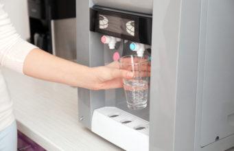 Automat do wody - praktyczne i wygodne rozwiązanie do firmy