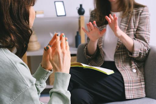 czym się różni psycholog od psychoterapeuty
